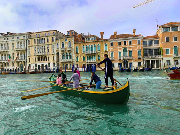 Rowing gondola canal grande