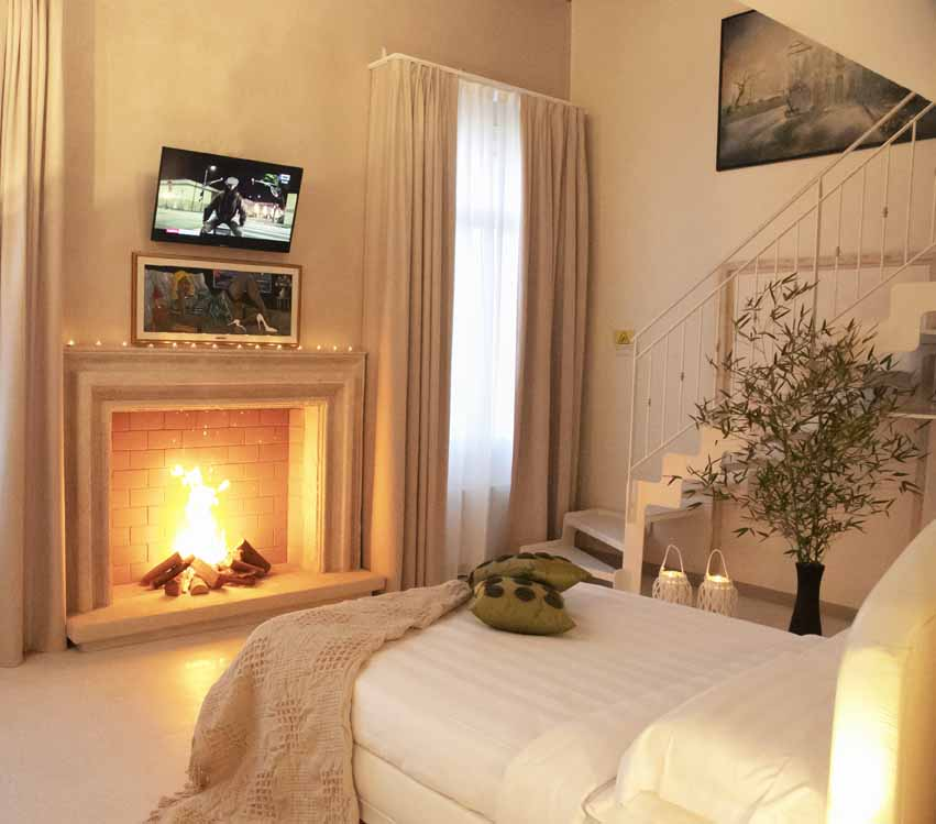 beautiful authentic venetian villa of 16th century interior design with fireplace for your stay