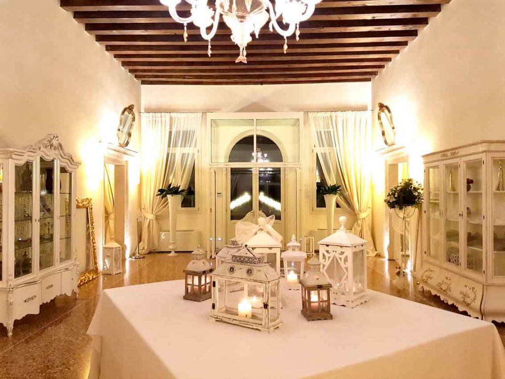 aluxury authentic venetian villa of 16th century interior design living salon with lights